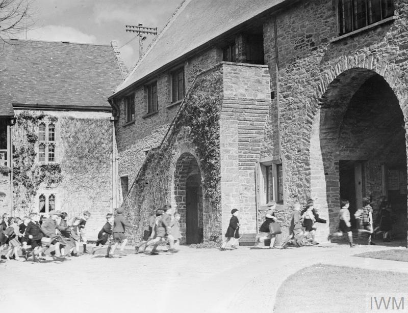COLONY FOR ARTISTS UNDER SIX: EVACUEES TO DARTINGTON HALL, TOTNES, DEVON, ENGLAND, 1941.
