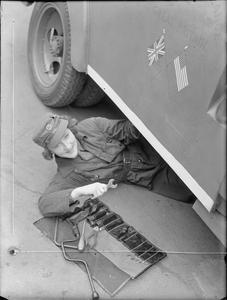 MTC GIRLS FOR AMERICA: WOMEN OF THE MECHANISED TRANSPORT CORPS AT WORK, LONDON, ENGLAND, 1940