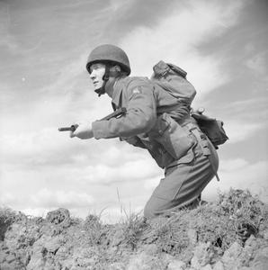 THE PARACHUTE REGIMENT IN TRAINING, RINGWAY, AUGUST 1942