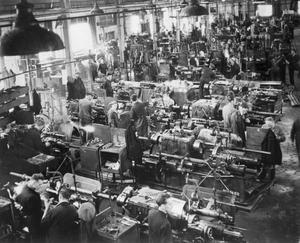 STIRRUP PUMP MANUFACTURE, ENGLAND, UK, 1941