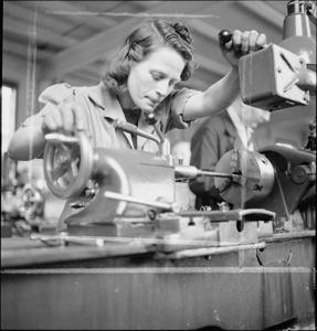 TRAINING FOR WAR WORK: CHISWICK POLYTECHNIC, TURNHAM GREEN, 1941