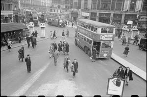 LONDON BUSES IN WARTIME, ENGLAND, 1941