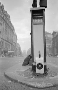 BLACKOUT PRECAUTIONS FOR DRIVERS, LONDON, ENGLAND, 1941