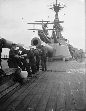 ON BOARD A BATTLESHIP. 1940 OR 1941, ON BOARD THE BATTLESHIP HMS BARHAM.