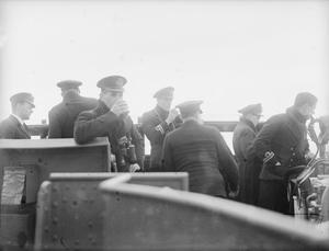 ON BOARD THE DESTROYER HMS KASHMIR. SEPTEMBER 1940, GENERAL ACTIVITIES ON BOARD THE BRITISH DESTROYER.