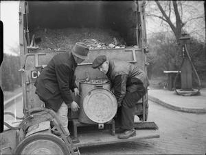 KITCHEN WASTE INTO CATTLE FEED: SALVAGE ON THE BRITISH HOME FRONT, 1942