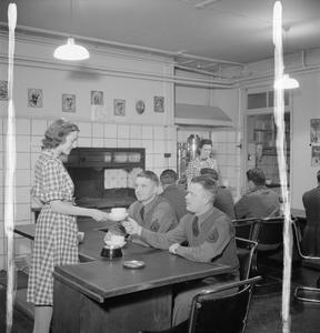 AMERICANS IN BRITAIN: THE WORK OF THE AMERICAN RED CROSS EAGLE CLUB DORMITORY, LONDON, ENGLAND, 1942