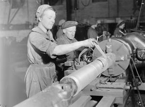 WOMEN'S WAR WORK: LIFE IN A SHELL FACTORY, ENGLAND, UK, 1942