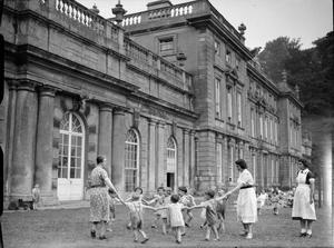 AMERICAN AID TO BRITAIN: LIFE AT DYRHAM PARK NURSERY, WILTSHIRE, ENGLAND, 1942