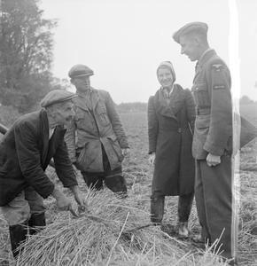 DARBY AND JOAN WAR WORKERS: OAPS CONTRIBUTE TO THE WAR EFFORT, MANUDEN, ESSEX, 1942