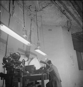 UNDERGROUND FACTORY: EVERYDAY LIFE IN AN UNDERGROUND FACTORY, PROBABLY SPRING QUARRY, CORSHAM, WILTSHIRE, ENGLAND, 1942