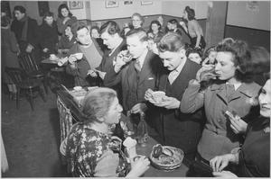 LONDON JEWS IN WARTIME: THE WORK OF YOUTH CLUBS IN STEPNEY, LONDON, 1942