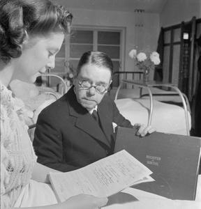 SOLDIER'S SON: PREGNANCY AND CHILDBIRTH IN WARTIME, BRISTOL, ENGLAND, 1942