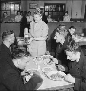 WOOLMORE STREET RESTAURANT: EATING OUT IN WARTIME LONDON, 1942