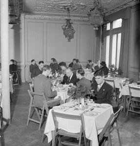 A MERCHANT SEAMAN COMES TO TOWN: THE WORK OF THE MERCHANT NAVY CLUB, PICCADILLY, LONDON, 1942