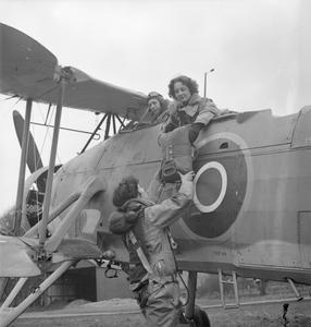 WOMEN'S ROYAL NAVAL SERVICE: WITH THE FLEET AIR ARM, SCOTLAND, 1943