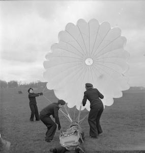 WOMEN'S ROYAL NAVAL SERVICE: WITH THE FLEET AIR ARM, SCOTLAND, 1943