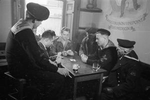 THE SEVEN SEAS CLUB: LIFE AT THE MERCHANT NAVY CLUB, EDINBURGH, SCOTLAND, 1943