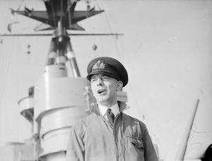 ON BOARD THE BATTLESHIP HMS RODNEY. SEPTEMBER 1940, OFFICERS AND MEN ON BOARD THE BATTLESHIP.