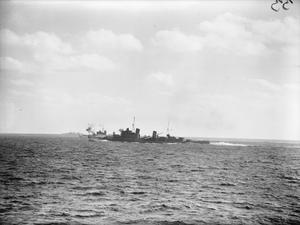 MEDITERRANEAN FLEET ACTION OFF SARDINIA. 27 NOVEMBER 1940, ON BOARD THE CRUISER HMS SHEFFIELD DURING THE FLEET ACTION AGAINST UNITS OF THE ITALIAN FLEET.