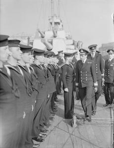 HRH THE DUKE OF KENT DURING HIS VISIT TO DEVONPORT. 1941.