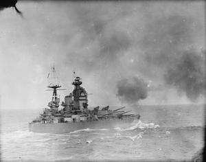 GUNNERY SCENES ON BOARD THE BATTLESHIP HMS RODNEY. OCTOBER 1940, AT SEA.