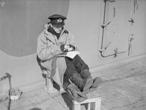 ON BOARD THE CRUISER HMS SUFFOLK ON PATROL. 1941.