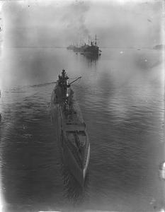 HM SUBMARINE THUNDERBOLT, FORMERLY HMS THETIS, ON HER RETURN TO HARBOUR AFTER A PATROL. 1940.