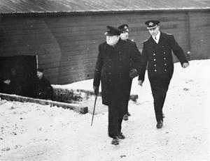 PRIME MINISTER VISITING A NORTHERN BASE. JANUARY 1941.
