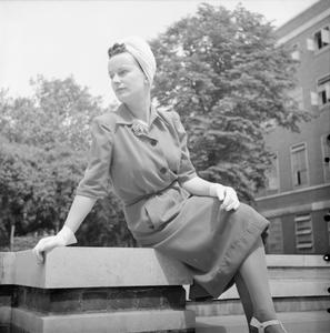 HOW A BRITISH WOMAN DRESSES IN WARTIME: UTILITY CLOTHING IN BRITAIN, 1943