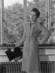 UTILITY CLOTHES: FASHION RESTRICTIONS IN WARTIME BRITAIN, 1943