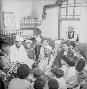 MUSLIM COMMUNITY: EVERYDAY LIFE IN BUTETOWN, CARDIFF, WALES, UK, 1943