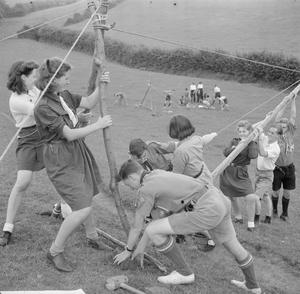 YOUTH GATHERING: RESIDENTIAL TRAINING FOR YOUTH ORGANISATIONS, SIDCOT SCHOOL, WINSCOMBE, SOMERSET, ENGLAND, UK, 1943