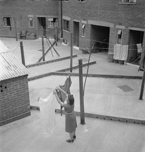 THE COTTAGES OF FREEFOLK: LIFE IN THE VILLAGE OF FREEFOLK, HAMPSHIRE, ENGLAND, UK, 1943