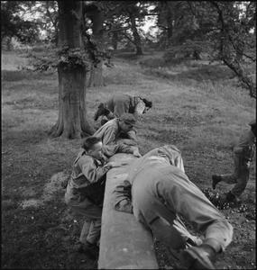 FIRST US ARMY REHABILITATION CENTRE: RECUPERATION AND TRAINING AT 8TH CONVALESCENT HOSPITAL, STONELEIGH PARK, KENILWORTH, WARWICKSHIRE, UK, 1943