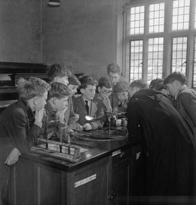 CATHOLIC PUBLIC SCHOOL: EVERYDAY LIFE AT AMPLEFORTH COLLEGE, YORK, ENGLAND, UK, 1943