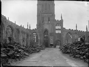 COVENTRY, SPRING 1944: EVERYDAY LIFE IN COVENTRY, WARWICKSHIRE, ENGLAND, UK, 1944