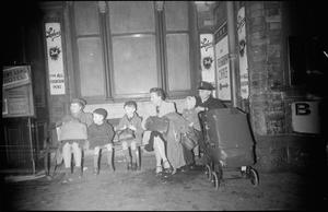 BRITISH RAILWAYS AT WAR - CHANGE AT CREWE: LIFE AT CREWE RAILWAY STATION, CHESHIRE, ENGLAND, UK, 1944