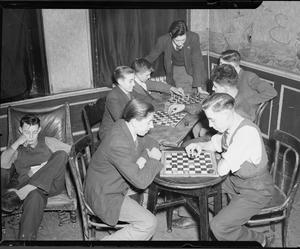 THE OXFORD AND BERMONDSEY BOYS' CLUBS: THE WORK OF BOYS CLUBS IN BERMONDSEY, LONDON, ENGLAND, UK, 1944