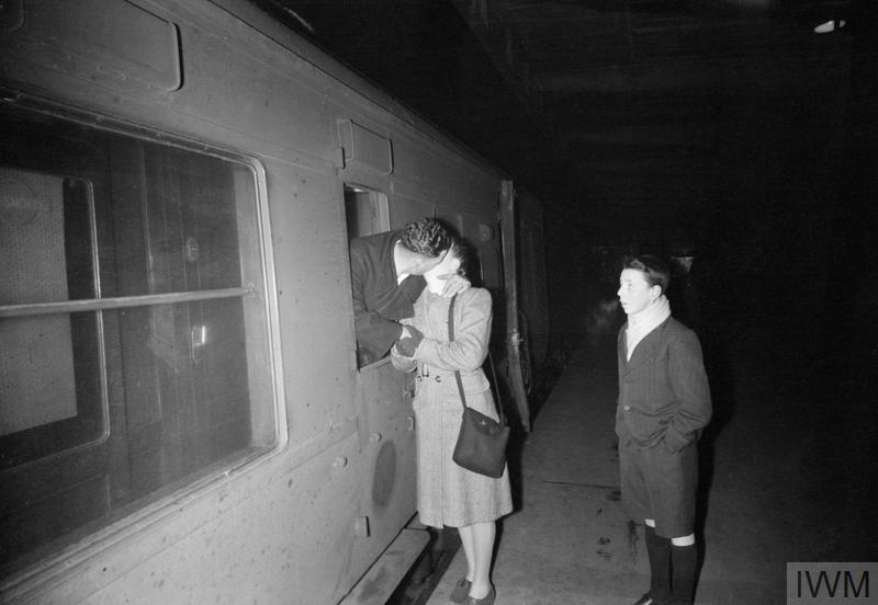 BRITISH RAILWAYS IN WARTIME - LEAVE TRAIN: TRANSPORT BETWEEN LONDON AND SCOTLAND, UK, 1944