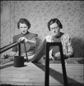 THEY ALSO FIGHT WHO ONLY STAND AND WAIT: PART-TIME WAR WORK IN CROYDON, SURREY, ENGLAND, 1943