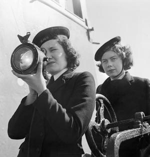 WRNS BOARDING OFFICERS WITH THE NAVAL CONTROL SERVICE: THE WORK OF THE WOMEN'S ROYAL NAVAL SERVICE, UK, 1944