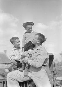 US TROOPS IN AN ENGLISH VILLAGE: EVERYDAY LIFE WITH THE AMERICANS IN BURTON BRADSTOCK, DORSET, ENGLAND, UK, 1944