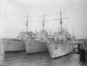 MINESWEEPERS. 28 OCTOBER 1941, PORTSMOUTH.