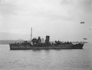 HMS GENTIAN, BRITISH FLOWER CLASS CORVETTE. OCTOBER 1941.