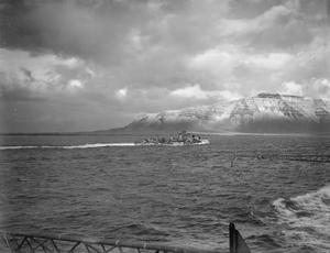 ON BOARD HMS VICTORIOUS EN ROUTE FROM SCAPA FLOW TO HVALFJORD, ICELAND. NOVEMBER 1941.