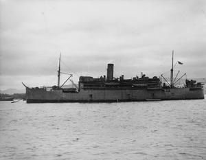HMS KARANJA, BRITISH LANDING SHIP INFANTRY (LARGE). 11 DECEMBER 1941, GREENOCK.