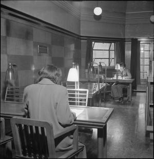 PUBLIC LIBRARY: THE WORK OF LEYTON PUBLIC LIBRARY SERVICE, CHURCH LANE, LEYTONSTONE, LONDON, ENGLAND, UK, SEPTEMBER 1944