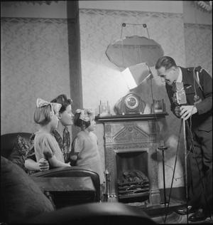 YMCA SNAPSHOTS FROM HOME: CIVILIAN PHOTOGRAPHERS AT WORK, UK, 1944
