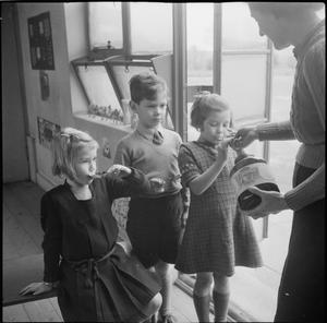 A MODERN VILLAGE SCHOOL: EDUCATION IN CAMBRIDGESHIRE, ENGLAND, UK, 1944